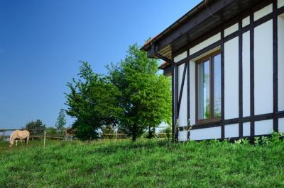 Ein Haus für betreutes Wohnen in Polen in unserer Seniorenresidenz am Meer. Hier können Senioren verschiedene Vorzüge eines Pflegeheims wahrnehmen und trotzdem Ihre Selbständigkeit bewahren.